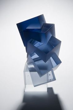 ndigo | Sapphire | | Color | Form | Texture | Heike Brachlow