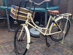 houten fiestkratje voor kinderdfiets, aangepast aan design van de fiets.