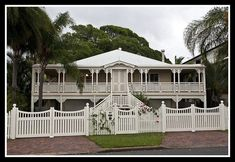 Old Queenslander at Woody Point - Redcliffe in Brisbane. Australian Architecture, Australian Homes, Colonial Architecture, Cabana, Queenslander House, British Colonial, The Ranch, Home Reno, House Front