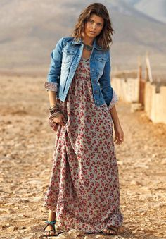 small floral maxi dress- Ways to style your summer maxi dress… Plus Size Maxi Dresses, Trendy Dresses, Plus Size Outfits, Casual Dresses, Dresses With Sleeves, Linen Dresses, Fall Dresses, Fashion Mode, Look Fashion