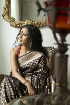 love the saree / blouse colour combination