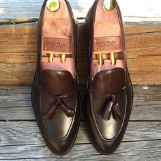 Brown Calf Tassel loafers. A must have! Soon online _____________________________________ #shoes #shoeporn #slipper #loafer #derby # #boots #nofilter #style #instagood #pennyloafer #casualshoes #casualfriday #summerstyle #doublemonk #fashion #instafashion #shopping #menstyle #menswear #felixflair #gentleman #suit #wcw #lotd #fallshoes #fall #wintershoes