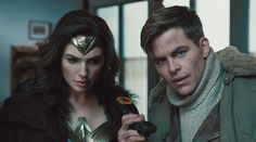 Chris Pine as Steve Trevor and Gal Gadot as Wonder Woman in «Wonder Woman»
