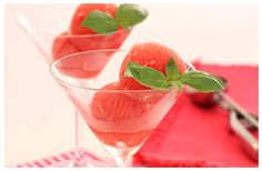 Here is a great recipe for Watermelon Sorbet Vegan Gluten Free, Vegan Vegetarian, Watermelon Sorbet, Kitchen Recipes, Great Recipes, Frozen, Ice Cream, Sugar, Kitchens