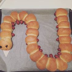 Tusindben pølsehorn# hjemmebag#kreative #pølsehorn #homebaking#fødselsdag #birthdaycake