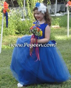 Smiles make your heart melt, brightened with some colorful flowers. . . . Click on our bio for more inspiration on this fully customizable flower girl dress or chat or call 407-928-2377. Ships World Wide . . 👗Flower Girl Dress Style 402 . . #PegeenFlowerGirl . #flowergirldress #pegeen #flowergirl #flowergirls #pegeendotcom #luxurykids #childrenswear #childrensformalwear #sapphireweddings #sapphire