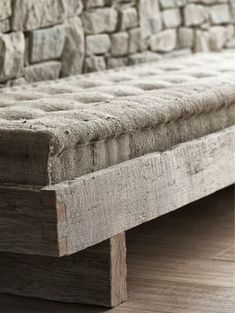French mattress (looks a bit like burlap fabric but canvas drop cloth would work better for me) on rustic frame is a nice inspiration piece for crafters. Wabi Sabi, Mountain Villa, Diy Inspiration, Burlap Fabric, Natural Living, Upholstery, Sweet Home, Pure Products, House Styles
