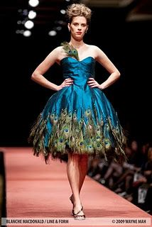 "Nadine Chong's strapless ""peacock"" cocktail dress was trimmed in hand-appliqued peacock feathers. Peacock Costume, Peacock Dress, Feather Dress, Peacock Shoes, Peacock Wedding, Wedding Blue, Rustic Wedding, Beautiful Gowns, Gorgeous Dress"