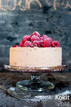 Suklaajäädykekakku eli Nina Lincolnin suklaakakku Lincoln, Sweet Tooth, Cheesecake, Keto, Baking, Party, Desserts, Drinks, Food