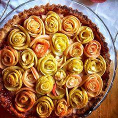 Apple Rose Pie   FoodeMag