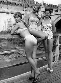 Marisa Allasio, Alessandra Panaro, Lorella De Luca in Poveri Ma Belli (1957)