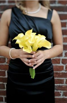 black white and yellow wedding idea