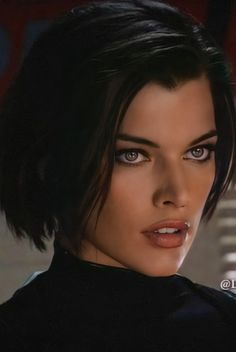 Resident Evil, Beautiful Celebrities, Beautiful People, Gif Terror, Sci Fi Shows, Celebrity Drawings, Milla Jovovich, Gorgeous Eyes, American Actress