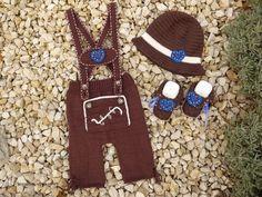 Strick- und Häkelanleitung Sparset Lederhose, Schühchen und Hut