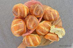 Painici simple reteta de chifle de casa | Savori Urbane Snack Recipes, Snacks, Chips, Peach, Bread, Food, Snack Mix Recipes, Appetizer Recipes, Appetizers
