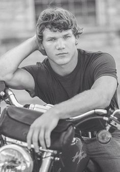 Senior pictures with motorcycle. Harley Davidson. Senior guy. Senior boy. Black and white senior pics. Classic. Retro.