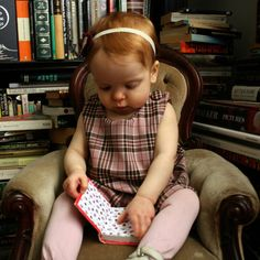 Clementine in Pink Plaid with Books How To Read People, Book People, Children Reading, I Love Reading, Kids Hands, I Love Books, Nooks, Libraries, Cute Kids