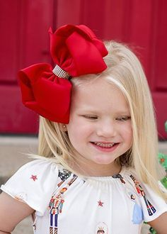 Over sized Rhinestone centered fancy hair bows for girls. Baby Girl Hair Bows, Big Hair Bows, Ribbon Hair Bows, Making Hair Bows, Girls Bows, Ribbon Flower, Fabric Flowers, Big Bows, Long Bob Hairstyles