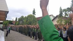 Mempertanyakan Klaim Ormas Anti Persekusi  Abad Khilafah - GP Anshor menegaskan bahwa pihaknya tidak melakukan tindakan di luar hokum dalam menindak pihak pihak lain. Bahkan ormas kontroversial tersebut menegaskan persekusi haram dilakukan oleh semua pengurus dan anggota GP Anshor.  Kami kalangan santri tidak mengedepankan persekusi ujar pengurus GP Anshor Surabaya dalam acara tabayyun Gus Nur dan GP Anshor di Kantor PCNU Surabaya Selasa (23/1).  Forum tersebut diadakan untuk mengklarifikasi…