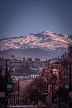 Las diez fotos sobre Granada que han revolucionado el año Andalucia Spain, Andalusia, Sierra Nevada, Cordoba Spain, Spain Culture, Spain Holidays, Life Is An Adventure, Beautiful Places To Visit, Spain Travel