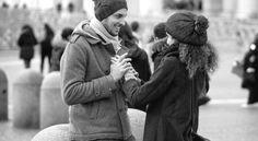Und eines Tages in Deinen Leben ist da plötzlich jemand, der nach Deiner Hand wieder greift, der Dir endlich wieder zuhört, ohne zu unterbrechen und hört sich Deine Vergangenheit an, gibt ohne eine Gegenleistung zu verlangen, hilft ohne das man fragen muß, alte Wunden heilt, ohne es zu wissen, lacht und scherzt mit Dir, gibt Dir wieder Mut und Hoffnung und zeigt Dir, das alles auch ganz anders sein kann und gibt Dir einfach nur das Gefühl das Du was ganz Besonderes bist. - Unbekannt