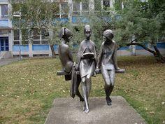 Aj takéto sochy stoja v Bratislave