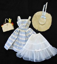 VINTAGE-BLACK-LABEL-SUBURAN-SHOPPER-OUTFIT-FOR-BARBIE-MADE-BY-MATTEL-IN-1959