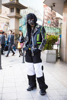 The Best Street Style From Tokyo Fashion Week Fall 2017 Japanese Street Fashion, Tokyo Fashion, Harajuku Fashion, Cool Street Fashion, Punk Fashion, Fashion Photo, Trendy Fashion, India Fashion, Gothic Fashion