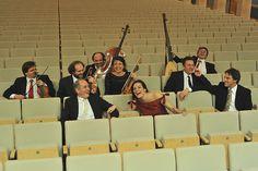 O grupo La Venexiana é especializado em reprodução de peças madrigalísticas italianas e faz apresentação no Museu da Casa Brasileira (Foto: Divulgação)