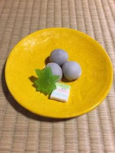 """Sho-ro"" means white mushroom which appear around pine tree forests in April and May. In Kyoto, the name ""sho-ro"" is famous as the traditional sweets made by Nijo-Surugaya near Nijo castle. Its shape is like small round mushrooms, but they are made from sugar and beans.     Special mushroom ""Sho-ro""    Shoro is the round bean paste coated with white sugar. Although we can buy ""sho-ro"" for the casual sweet shops of sometimes in the supermarket for our daily life, they are usually made of a…"