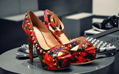 The best Colecction High Heels 2015 http://www.accessorypedia.com/2015/10/the-best-colecction-high-heels-2015.html