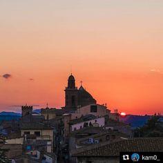 #Repost @kam0_  Castiglione del Lago  #roccamedioevale #umbria #loves_madeinitaly #italia_bestsunset #sunset #sun #color #lagotrasimeno #trasimenolake #trasimeno #lake #beautifulsunset #perugia #umbrians #loves_united_team #borghipiubelli #borghiumbri #borghitalia #italy #loves_sunset #landscape #fujifilmxt10 #fujifilm_id #fujifilmitalia