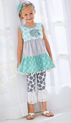From CWDkids: Pom-Pom Ruffles & Lace Outfit.