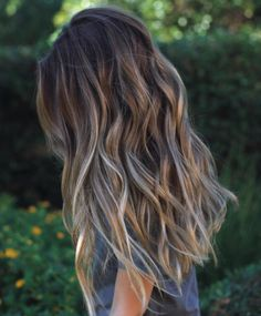 Such healthy hair: Browns, ash blonde, and deep sand shades makes this a deeper…