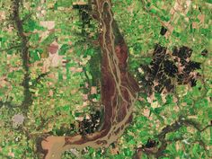 Space in Images - 2019 - 01 - Uruguay River wetlands Big Data, Les Satellites, Latest Discoveries, Argentine, Space Photos, Different Perspectives, Healthcare Design, Earth From Space, Natural Resources