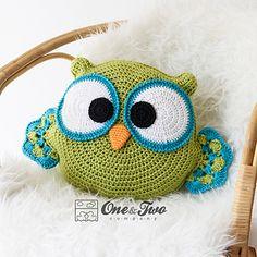 Ravelry: Ollie the Owl Pillow pattern by Carolina Guzman