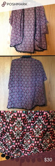Cute Patterned Kimono This kimono has an adorable design with good vibrant colors. Really light weight and breathes when wearing. Like NEW as I only wore it a few times. Eyeshadow Sweaters Shrugs & Ponchos