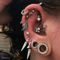 Transverse piercing: doubts, care and photos to want to pierce the ear already, . - Transverse piercing: doubts, care and photos to want to pierce the ear already, # d … – - Helix Piercings, Middle Cartilage Piercing, Bellybutton Piercings, Cool Piercings, Peircings, Piercing Transversal, Organic Hair Color, Nail Tattoo, Stretched Ears