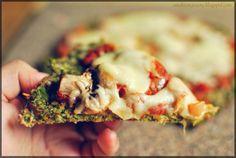Dietetyczna pizza na spodzie z brokuła by Smakiempisany