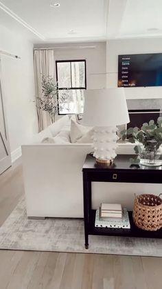 Home Room Design, Interior Design Living Room, Scandinavian Interior Living Room, Family Room Design, Room Interior, Interior Decorating, Modern White Living Room, Living Room Neutral, Black And White Living Room Ideas