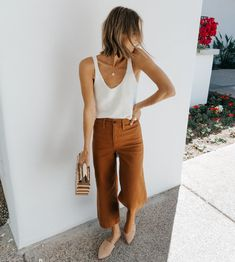 Madewell wide leg cropped pants, knit tank and Cult Gaia bag. Madewell wide leg cropped pants, knit tank and Cult Gaia bag. Mode Outfits, Casual Outfits, Fashion Outfits, Fashion Scarves, Fashion Hacks, Girly Outfits, Fashion Bloggers, Fashion Trends, Spring Summer Fashion