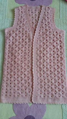 This Pin was discovered by Ada Crochet Motif, Crochet Designs, Bohemian Tops, Diy And Crafts, Dressing, Wool, Pretty, Sweaters, Find Pic