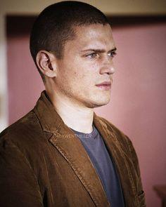 Michael Scofield #PrisonBreak #S4 Michael Scofield, Wentworth Miller, Prison Break, Lgbt, Pride, Album, Celebrities, Boys, Beauty