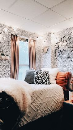 ✔ 50 cute dorm rooms we're obsessing over right now 4 – Home Design Inspirations Room Ideas Bedroom, Bedroom Decor, Bedroom Inspo, Girls Bedroom Colors, Comfy Bedroom, Bedroom Signs, Decor Room, Modern Bedroom, Kids Bedroom