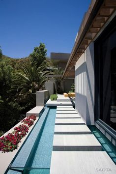 House by the Beach: Kloof 151 by SAOTA and Antoni AssociatesHave you ever seen a home … away from home? This well appointed house has a cozy atmosphere and lets you be a part of the nature life. The view fr... Architecture