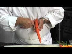 ▶ techlife: How to carve vegetables into a bouqet of flowers - YouTube
