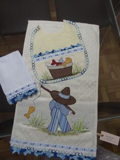 LOY HANDCRAFTS, TOWELS EMBROYDERED WITH SATIN RIBBON ROSES: Conjunto para MENINO em Patch Apliquê
