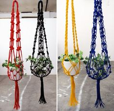 Macramé is a form of textile-making using knotting. Macramé is a type of fiber craft which basically means a pattern of decorative knotting. The skill Macrame Hanging Planter, Macrame Plant Holder, Plant Holders, Hanging Planters, Macrame Plant Hanger Patterns, Free Macrame Patterns, Macrame Plant Hangers, Pot Hanger, Macrame Projects