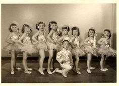 Darling-Vintage-50s-Dance-Dancers-ballet-children-group-photo