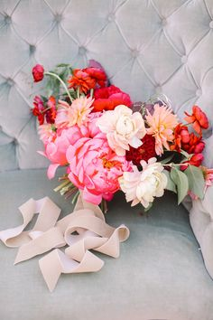 Lovely color story- Poppy red, coral, whites and peaches. (and we always omit peach). This is a very large asymmetrical natural style bouquet. Peach Bouquet, Red Bouquet Wedding, Rustic Wedding Flowers, Bride Bouquets, Floral Wedding, Wedding Colors, Trendy Wedding, Bridesmaid Bouquets, Poppy Red Wedding